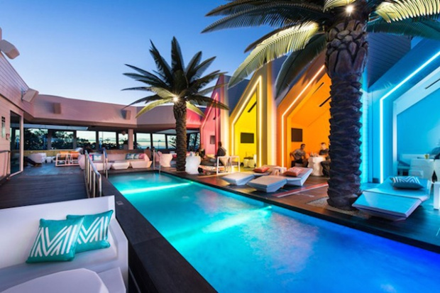 12-matisse-beach-club-by-oldfield-knott-architects-scarborough-australia