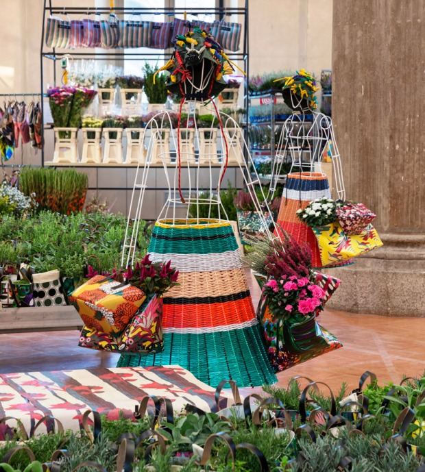 marni-flower-market-rotonda-della-besana-milan-designboom-62 (1)