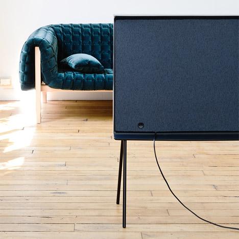 Bouroullec-brothers-Serif-TV-Samsung_dezeen_468_1